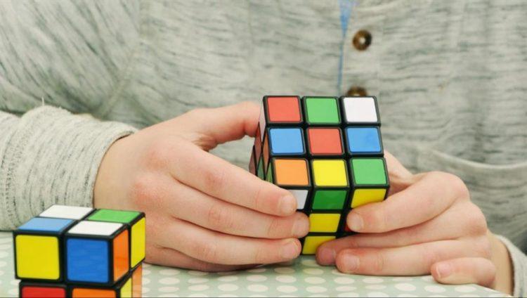 لتكون حاد الذكاء.. 5 ألعاب تسمح لك بذلك