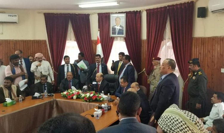 عاجل من سيئون.. الرئيس هادي يوجه بإعتماد مشاريع بقيمة 5 مليار ريال لمحافظة حضرموت