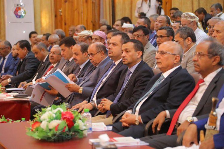 أعضاء في البرلمان اليمني يعبرون عن غضبهم من انقلاب عدن ويطرحون عدة مطالب لهادي