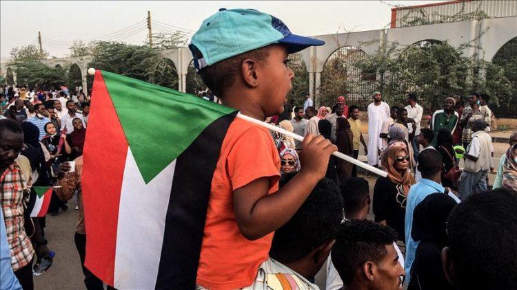 لماذا أمهل الاتحاد الافريقي المجلس العسكري في السودان 15 يوماً؟