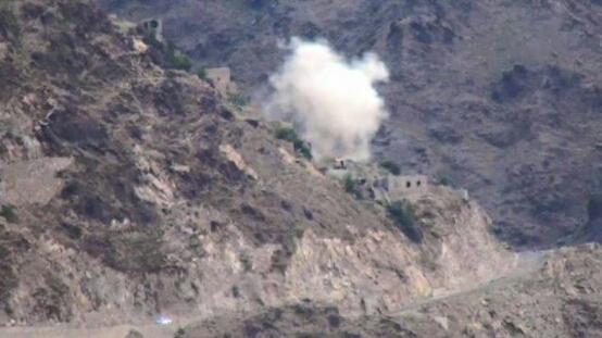 مقاومة ذي ناعم في البيضاء تنسحب بعد مواجهات عنيفة ومليشيا الحوثي تسيطر على جبل إستراتيجي