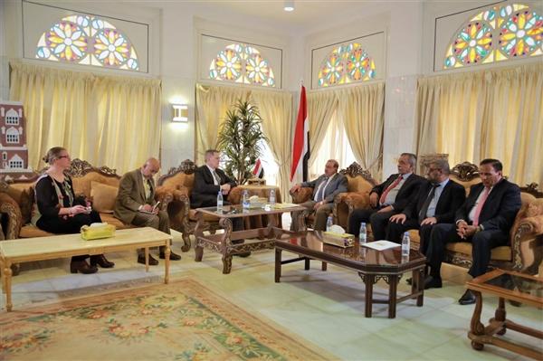 هناك إحباط بسبب تأخير الحوثيين تنفيذ اتفاق الحديدة.. السفير الأمريكي: إنعقاد البرلمان خطوة قوية لإعادة الدولة