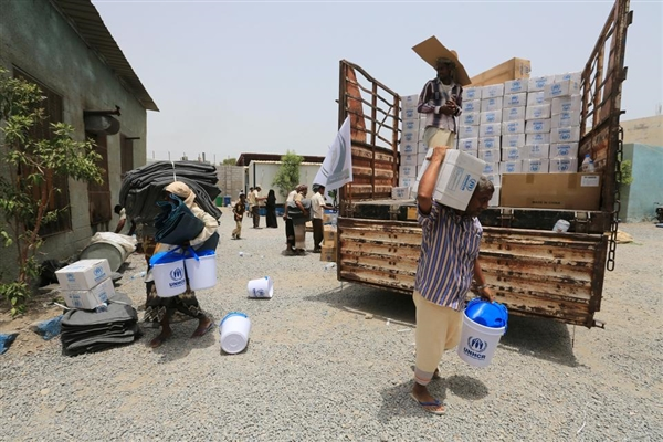 مليشيا الحوثي تصادر كميات كبيرة من المساعدات في إب وتبيعها في السوق السوداء