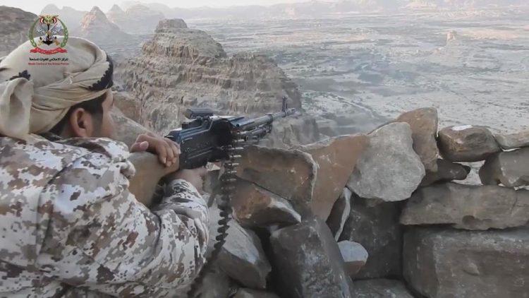 مصرع وإصابة عدد من عناصر مليشيا الحوثي بمواجهات مع قوات الجيش في صعدة