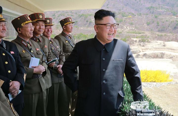 قالت: أن الهدف هو فحص القدرات التشغيلية ودقة قاذفات الصواريخ.. كوريا الشمالية تختبر صواريخ وأسلحة تكتيكية أشرف عليها كيم