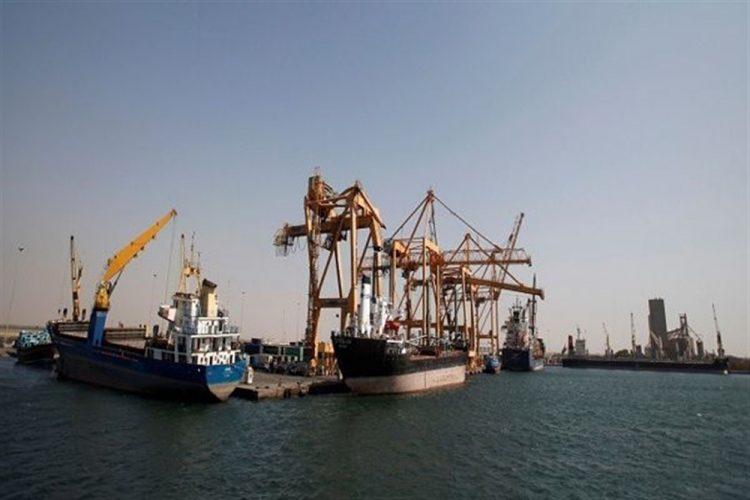 وكالة: مليشيا الحوثي تبدا الإنسحاب من ميناءي الصليف ورأس عيسى