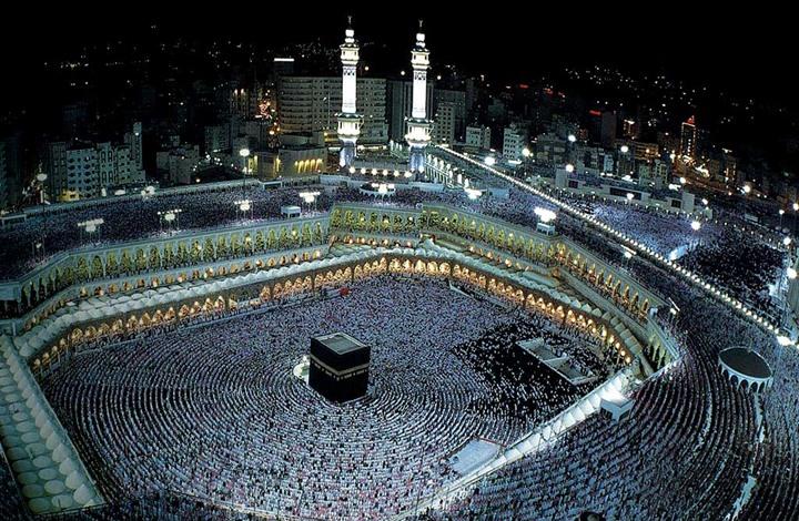 المسجد الحرام يشهد امطاراً غزيرة
