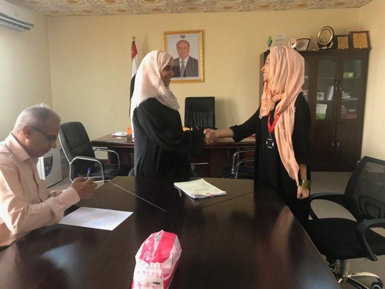 الحكومة اليمنية توقع اتفاقية مشروع إنساني بقيمة 28 مليون دولار