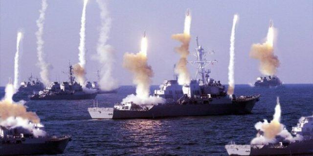 موقع إيراني يكشف كيف ستواجه إيران الأسطول الأمريكي في مياه الخليج العربي