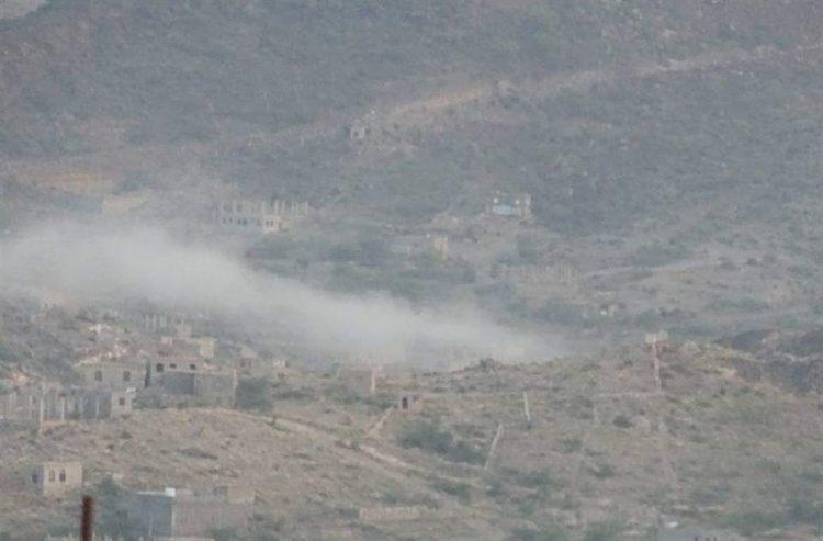معارك عنيفة في جبهات تعز لليوم الثالث على التوالي وقوات الجيش تستهدف غرفة عمليات وشبكة الغام للحوثيين