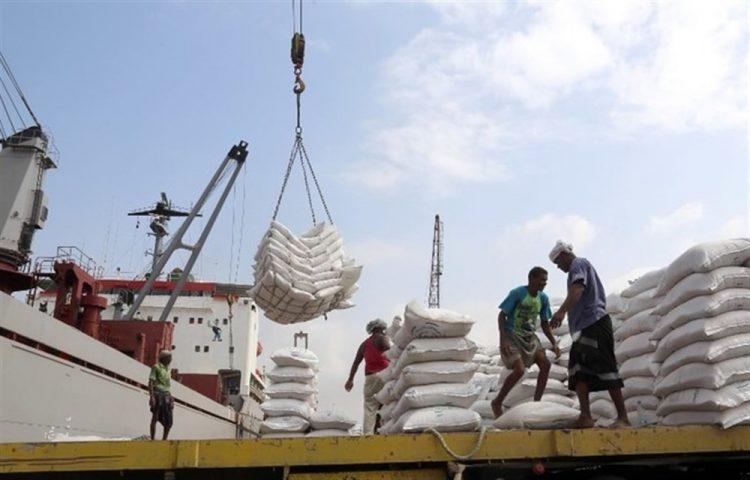 الحكومة: لن نقبل باستمرار الإنتهاكات الحوثية بحق العمل الإغاثي ونطالب باتخاذ موقف حازم
