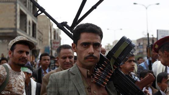 مليشيا الحوثي تعتدي على شاب في صنعاء لأنه كان يقرأ القرآن ولم ينصت لمحاضرة زعيمهم