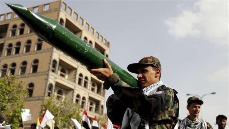 هجوم جديد لمليشيا الحوثي على مطار أبها.. التحالف العربي يعترض 5 طائرات مسيرة