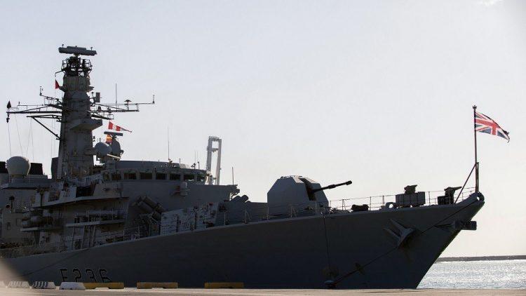 بريطانيا تعلن محاولة ثلاث سفن إيرانية اعتراض سبيل ناقلة تابعة لها في الخليج