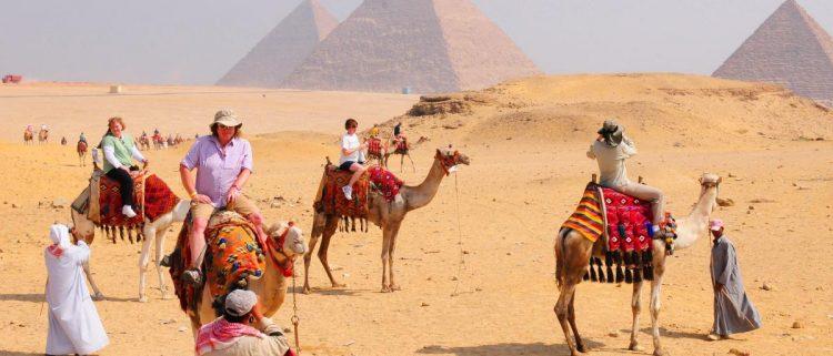 اعادة فتح هرمين للزوار بعد 50 عاماً على إغلاقهما في مصر