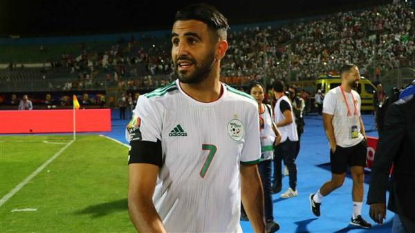 لماذا اهدى رياض محرز هدف فوز الجزائر على نيجيريا لبرلماني فرنسي!!