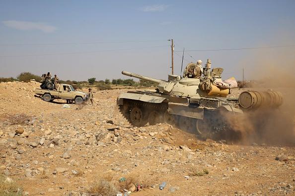 قوات الجيش الوطني تشن هجوما على مواقع مليشيا الحوثي في حجة وصعدة وتحرر مواقع جديدة