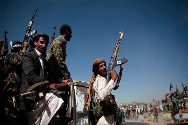 تجدد المواجهات بين الحوثيين وقتلى وجرحى بينهم قيادي في محافظة إب