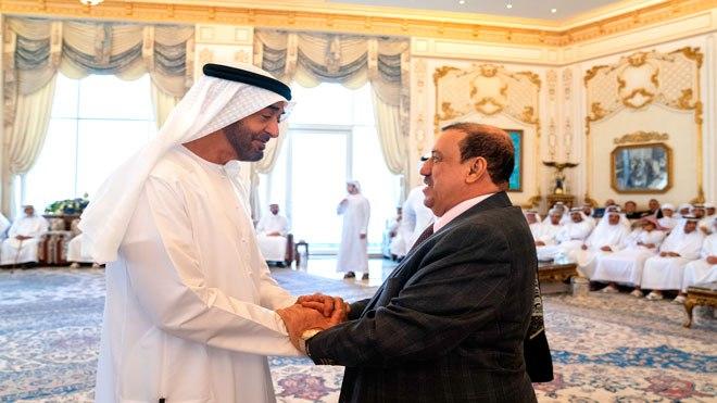 مخاوف من ضغوط إماراتية على الحكومة بعد وصول رئيس مجلس النواب إلى الإمارات