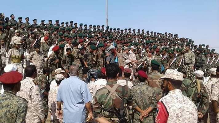 من جديد الإمارات تفخخ محافظة سقطرى.. مئات الشباب يغادرون الجزيرة الى معسكرات تدريب في الإمارات