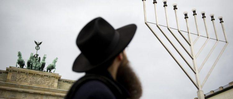 اليهود أكثر أمناً فيها.. التسامح الديني في الإمارات لا يشمل مواطني الدولة أو المقيمين على أراضيها