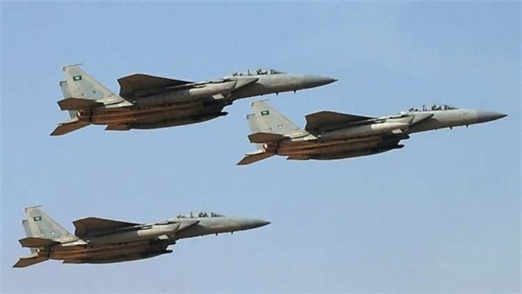 طيران التحالف العربي يشن غارات على مواقع مليشيا الحوثي في الضالع ويكبدها خسائر فادحة