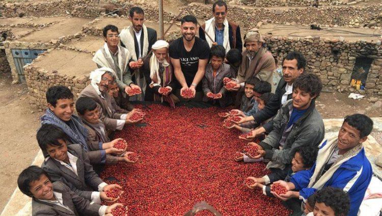 """""""راهب المخا"""".. رحلة القهوة العربية من موطنها اليمني إلى مقاهي أميركا"""