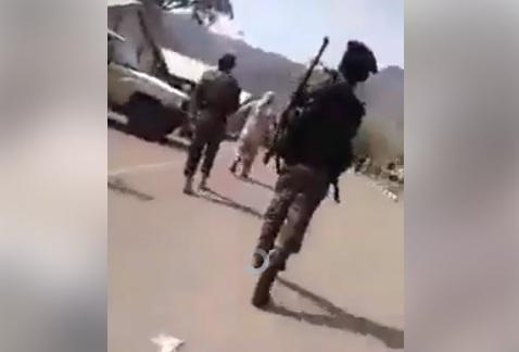 """تسريب فيديو """"مصفحة معسكر الجلاء"""" يؤكد تصفية أبو اليمامة وآخرين من قبل الامارات واذنابها"""