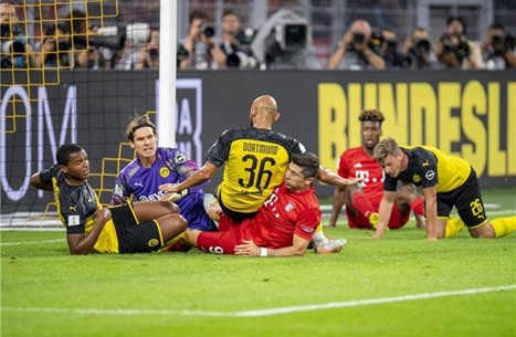 فريق بروسيا دورتموند يتوج بالسوبر الألماني عقب فوزه على غريمه بايرن ميونيخ