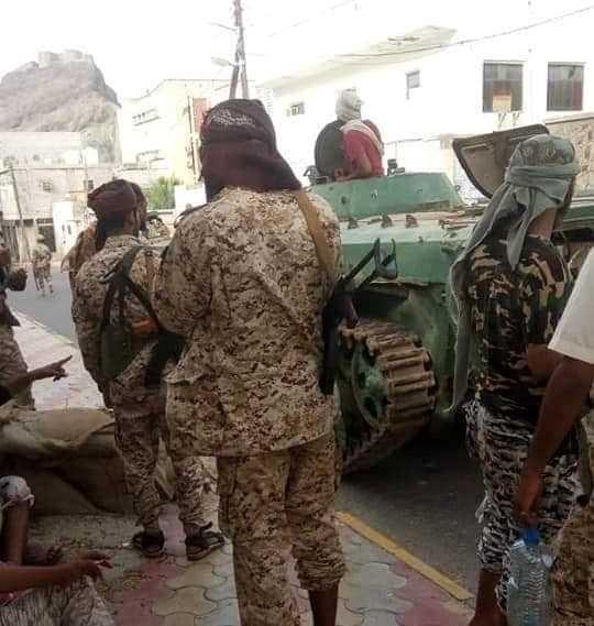 الإنتقالي المدعوم إماراتيا يبرر هجماته ويطالب مجلس الأمن بالتدخل لحل النزاع في عدن