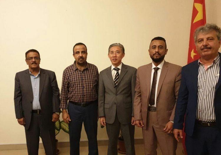 السفير الصيني لدى اليمن يستقبل وفداً من الائتلاف الوطني الجنوبي