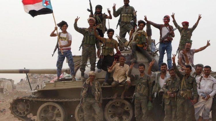"""على خطى الحوثي.. مليشيات """"المجلس الانتقالي"""" تستهدف الصحافيين في عدن"""