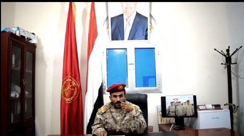 """عاجل.. قائد الحزام الأمني في أبين ينشق عن مليشيات الامارات ويعلن انضمامه للشرعية """"فيديو"""""""