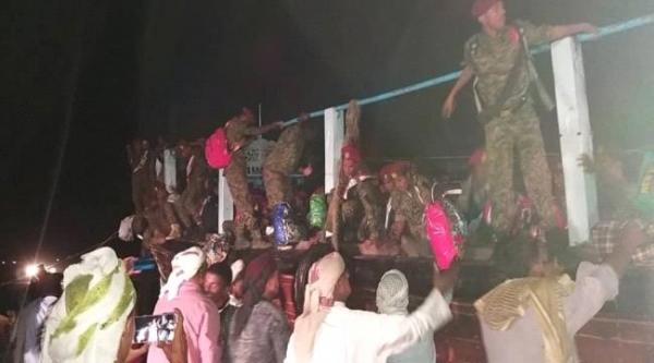 دفعة جديدة من مليشيا الإمارات تصل سقطرى.. والإمارات تواصل نقل مجندين إلى أبو ظبي