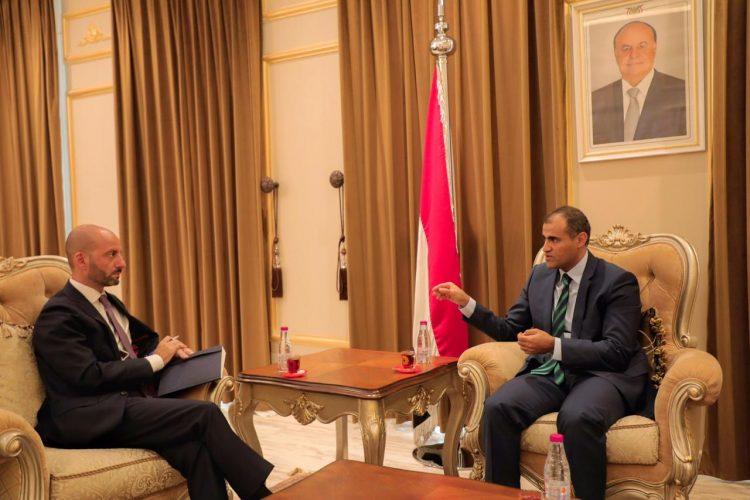 اليمن تؤكد ترحيبها بدعوة السعودية للحوار وتشدد على ضرورة الوقوف أولا أمام انحراف دور الإمارات في التحالف