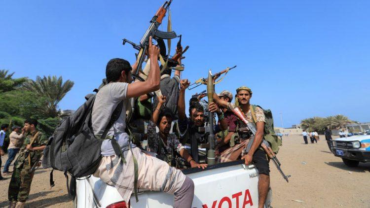 مصرع وإصابة 10 حوثيين بانفجار مخزن للأسلحة والذخائر في حيس بالحديدة