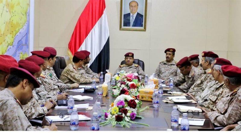 وزير الدفاع يؤكد أهمية التحام هيئات ودوائر وزارة الدفاع في إعادة بناء القوات المسلحة