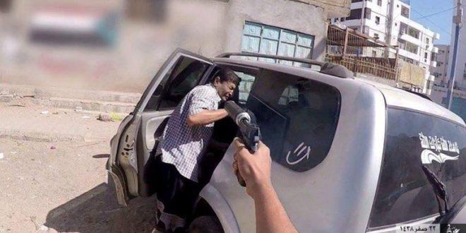 فيديو.. بعض جرائم القتل الوحشية التي ارتكبتها عناصر الارهاب الاماراتية في عدن