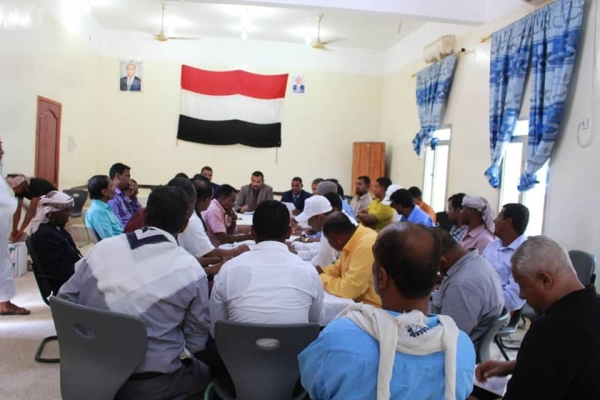 المكتب التنفيذي في سقطرى يؤكد دعمه قرارات رئيس الجمهورية