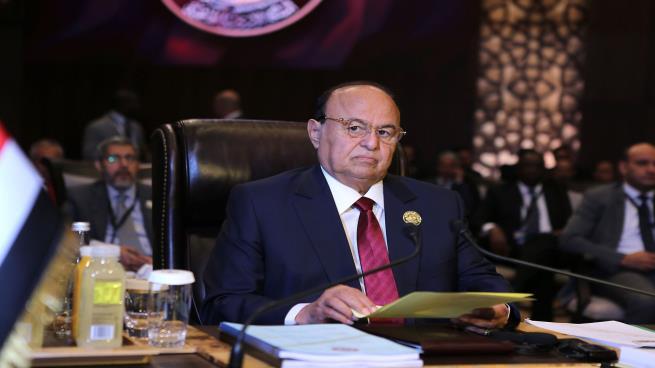"""رفض الرئيس هادي لــ""""إنقلاب عدن"""" دفع بالامارات للانتقام من الحكومة وتعزيز الفوضى الشاملة"""