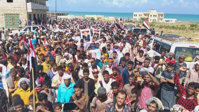 سقطرى تنتفض في وجه أبوطبي والائتلاف الوطني يدين الفوضى الإماراتية