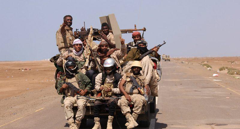 القوات الشرعية تسيطر على قيادة منظومة الاتصالات اللاسلكية الحوثية شرق مدينة الحزم بالجوف