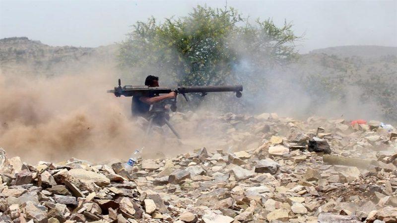 إطلاق العتاد العسكري التابع لمحور تعز الذي احتجزه مسلحو الإنتقالي