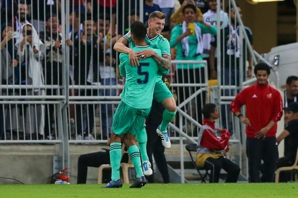 ريال مدريد يتجاوز فالنسيا إلى نهائي كأس السوبر الاسباني