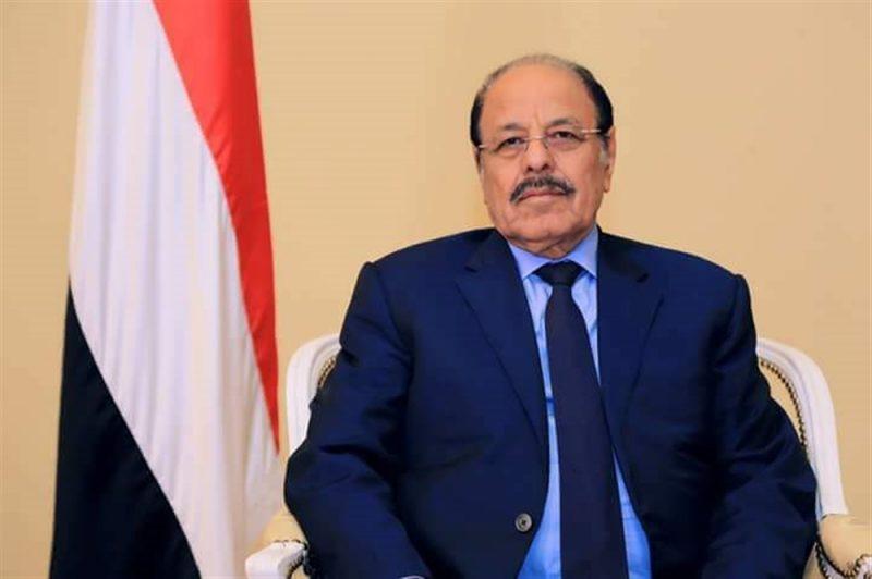 نائب الرئيس يدعو إلى الإلتفاف خلف الجيش الوطني ويؤكد على التحام الجيش بتعز مع القوات في الساحل