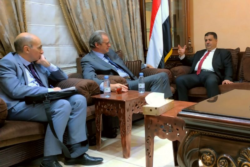 العيسي يبحث مع السفير الفرنسي جهود تحقيق السلام والاستقرار الاقتصادي في اليمن
