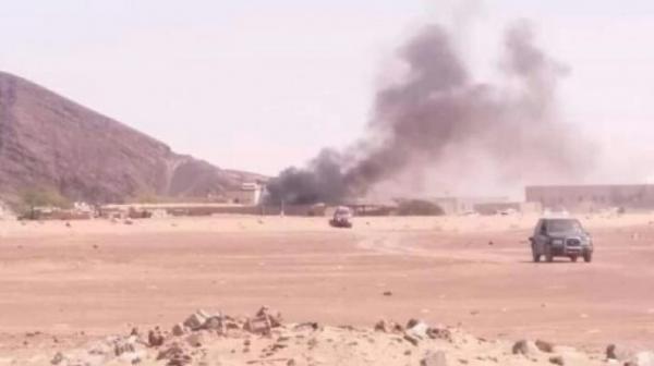 مليشيا الحوثي تستهدف غرفة العمليات الحربية للجيش في معسكرٍ بمأرب