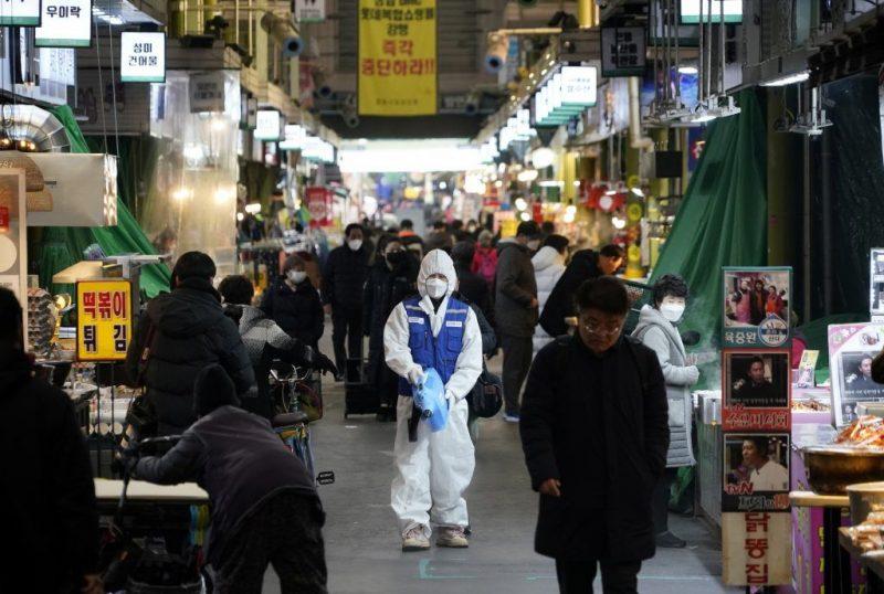 كورونا القاتل.. حالتي وفاة في كوريا و409 حالات في الصين