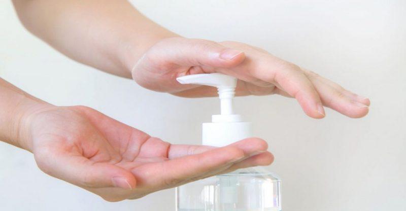 الإفراط في استخدام مطهر اليدين قد يزيد من خطر الإصابة بفيروس كورونا .. لماذا؟!