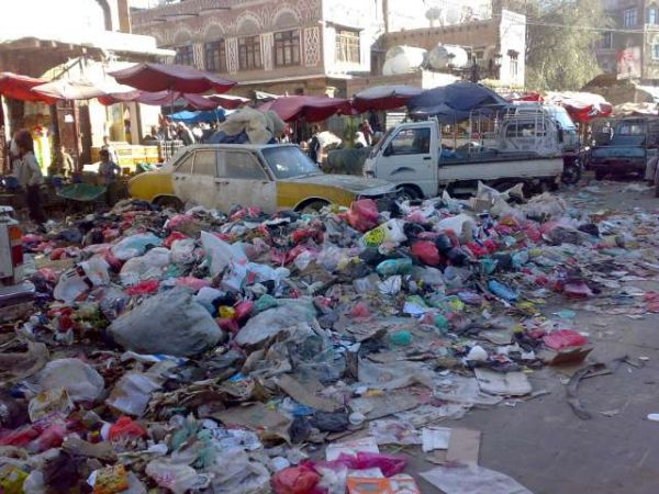 شاهد بالصورة.. هكذا أعادت مليشيات الحوثي العاصمة صنعاء إلى العصور الظلامية